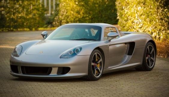 Екзотичний Porsche Carrera GT хочуть продати за $ 600 тис.