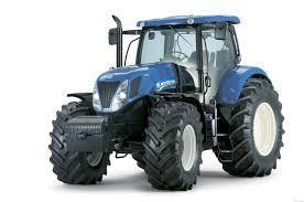 У Росії сільський трактор перетворили в криголам для очищення «дороги життя»