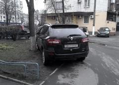 """Героїв парковки"" в Україні не карають – експеримент"