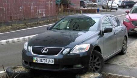 "Донецький водій Lexus став переможцем конкурсу ""Паркуюсь, як мудак"""