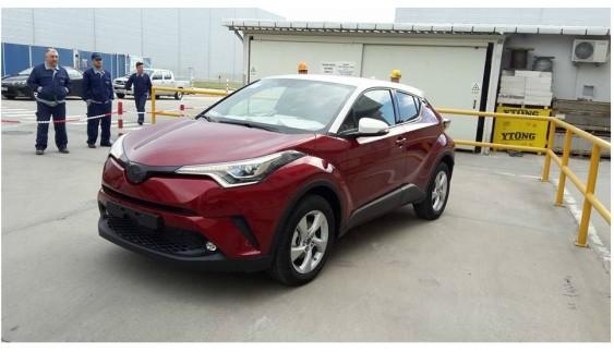 Toyota опублікувала фото серійного C-HR