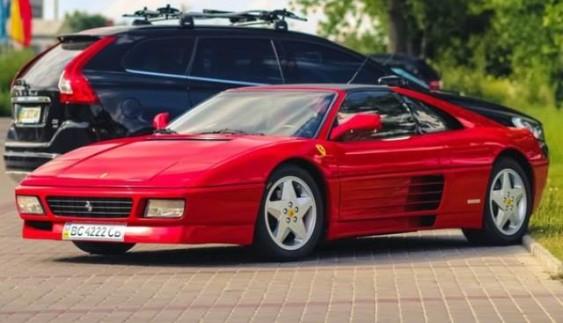 В Україні помітили унікальну колекційну Ferrari 348ts (Фoтo)