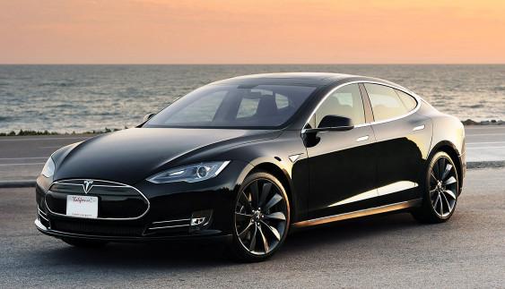 Починаються продажі нової «дешевої» Tesla: труднощі її замовлення для українців
