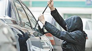 В Україні масово підробляють поліси автострахування