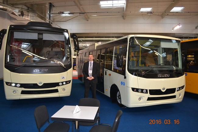 1novye-ukrainskie-avtobusy-na-vystavke-v-polshe