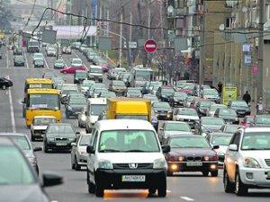 Розкіш пересування: коли українці почнуть купувати автомобілі?
