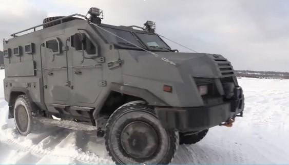 Ексклюзивний тест-драйв бронемашини «Варта-2» (відео)