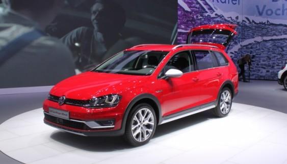 У Нью-Йорку представили кросовер Volkswagen Golf Alltrack