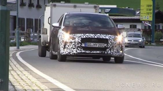 Hyundai тестує нове покоління i30