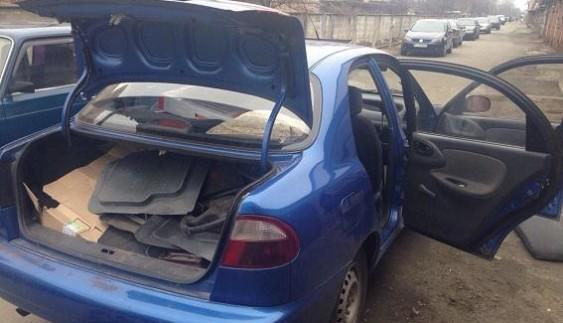 У Києві іноземці крали автомобілі «Ланос» (фото)