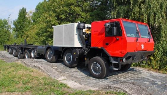 Найбільша і найдовша вантажівка Tatra з колісною формулою 16Х8