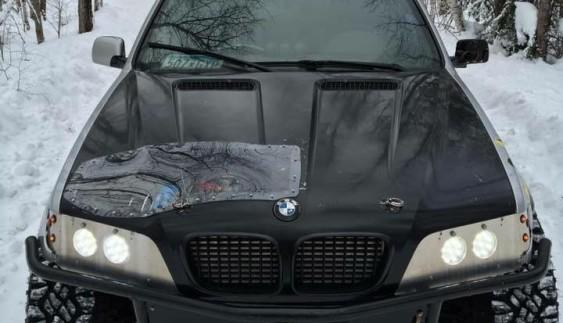 """Позашляховий монстр за недорого: BMW X5 з мотором V8 за ціною """"Ланоса"""""""
