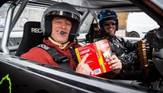Відомий дрифтер разом з ведучим Top Gear влаштували гонки (відео)