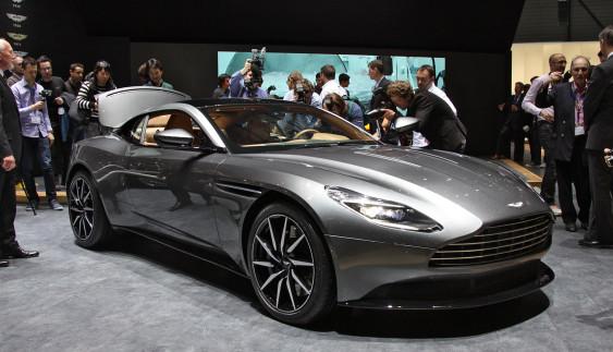 Новий автомобіль Бонда вразив публіку (Фото)