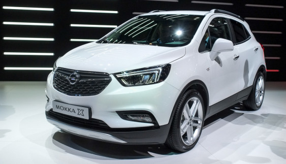 Opel презентував оновлений кросовер Mokka