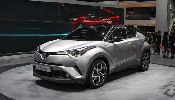 Toyota показала новий бестселер серед кросоверів (ФОТО)