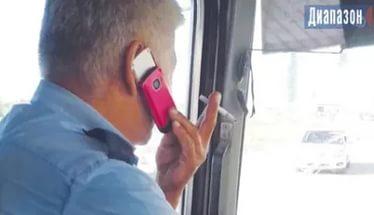Як жінка провчила водія маршрутки за розмови по телефону
