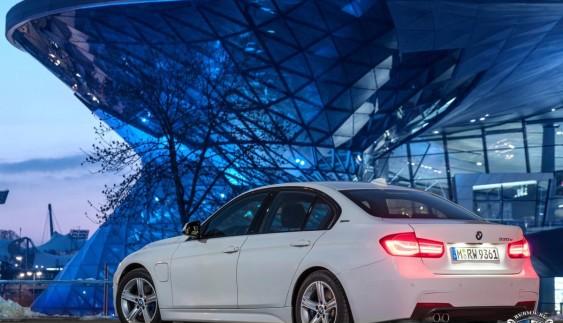 BMW 330e iPerformance надійде в продаж влітку