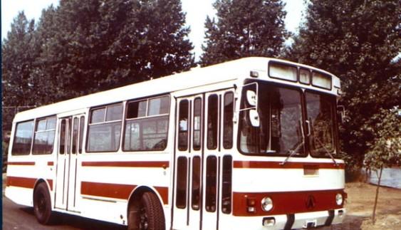 ЛАЗ-4202 – історичний автобус, що випускався на Львівському автобусному заводі