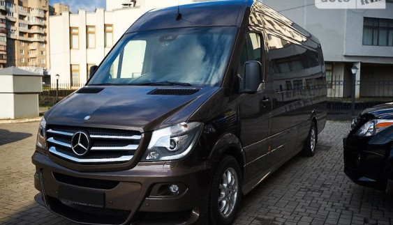 Маршрутка для багатих: в Україні продають розкішний Mercedes Sprinter за $ 200 тисяч