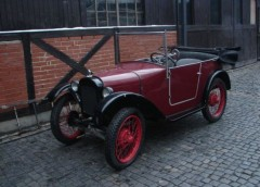 Українські журналісти відвідали приватний автомобільний музей в Польщі