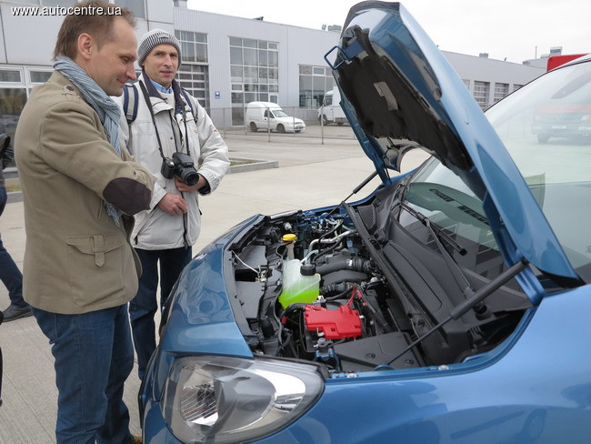 na-ukrainskiy-rynok-vyshel-furgon-mercedes-benz-citan_15