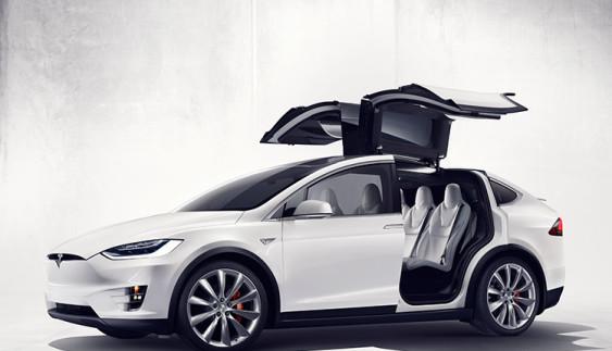 Tesla Model X в Україні: уже замовлено 20 електричних кросоверів!