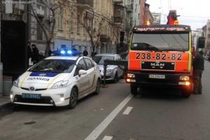 Поліція наживається на послугах евакуації
