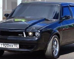 Власноруч перероблений Москвич 2141 у Ford Mustang (фото)