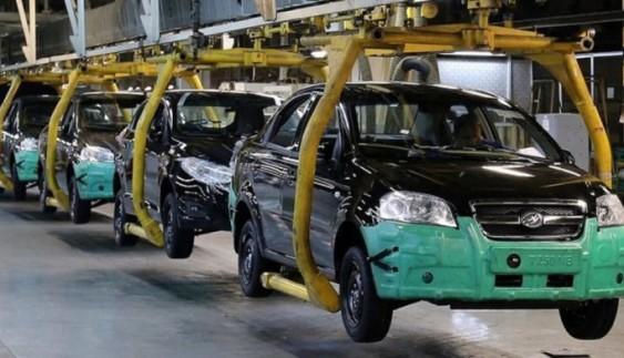 Через кризу в Росії закриють автозаводи