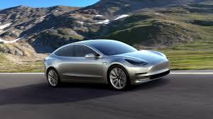 Фанати Tesla перетворили Model 3 в космічного монстра і супергероя