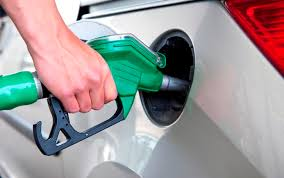 Бензин в Україні подорожчав, а газ для автомобілів упав у ціні