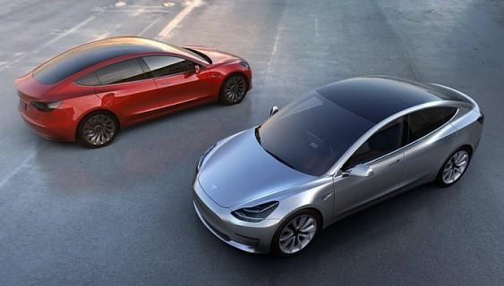 Українці уже замовили перші 5 електромобілів Tesla Model 3