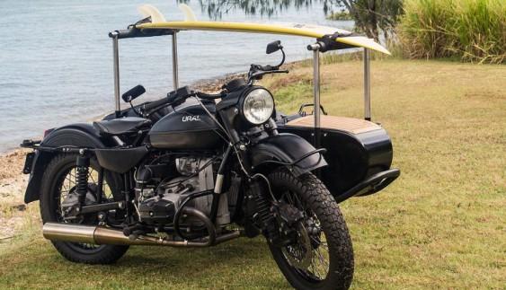 """Дивовижний мотоцикл """"Уpaл"""" з коляскою"""