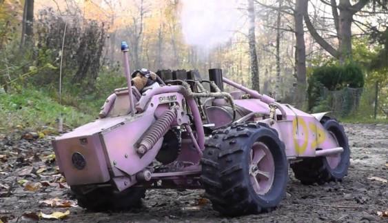 Модель автомобіля з паровим двигуном (відео)