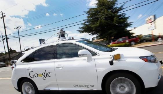 Безпілотні автомобілі перетворять на громадський транспорт