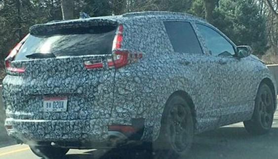 Нове покоління кросовера Honda CR-V помітили на тестах
