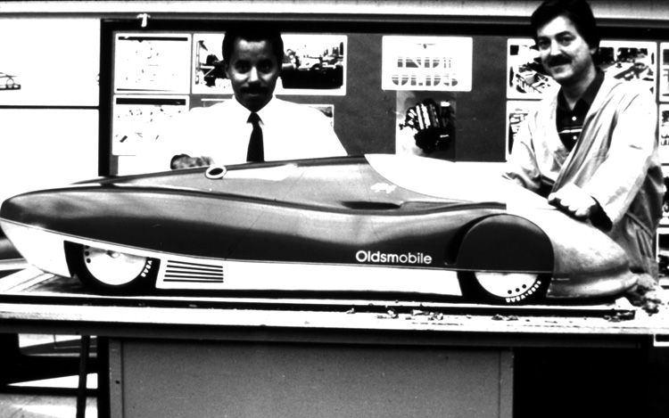 1012_02_z+1987_oldsmobile_aerotech_concept+original_clay_model