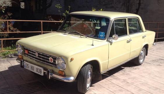 """Які """"автомобілі-родичі"""" були у  Fiat 124"""