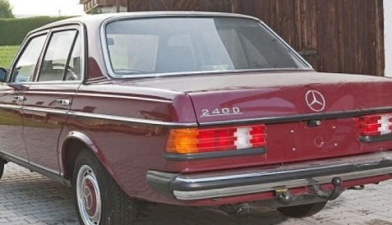 У Німеччині знайдено Mercedes 1985 року випуску з пробігом всього 30 кілометрів