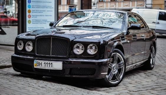 В Україні помітили рідкісний Bentley Brooklands