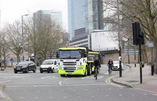 Scania розробила спеціальний самоскид для будівництв всередині міста (відео)
