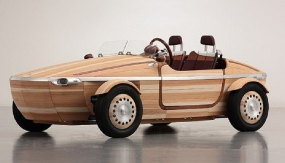 Toyota випустила чудернацьке дерев'яне авто