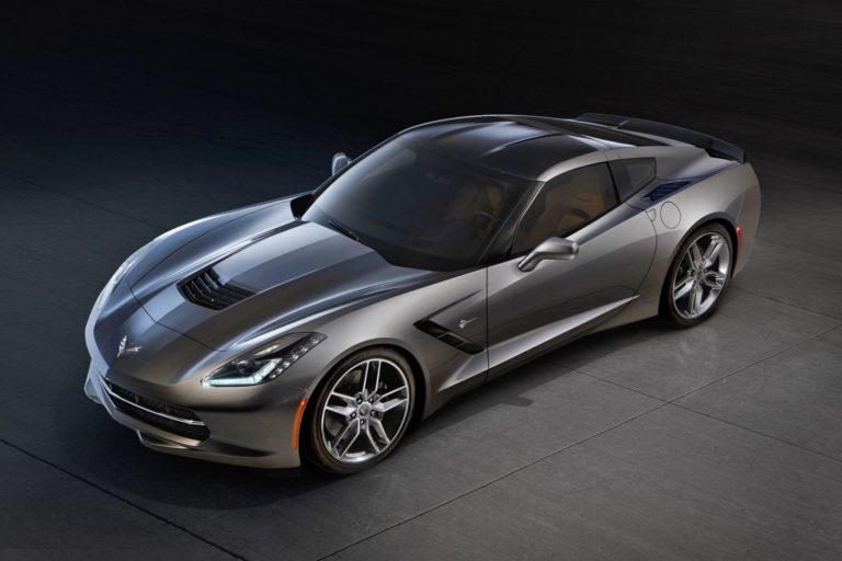 2014_Chevrolet_Corvette_Stingray_3759948