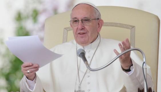 Автомобіль Папи Римського продали на аукціоні