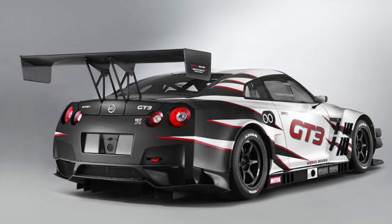 Nissan вмістив складання гоночного GT-R в три хвилини