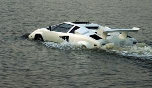 На eBay продають амфібію Lamborghini за 27 тисяч доларів