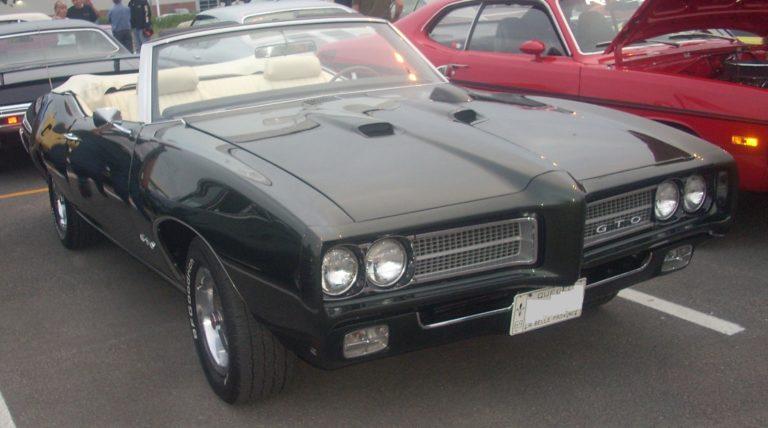 '69_Pontiac_GTO_Convertible_(Centropolis_Laval_'10)