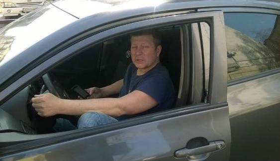 "Столичний таксист став лауреатом премії ""Паркуюсь, як мудак"""