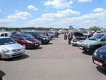 Кримчани намагаються продати свої авто в Україні